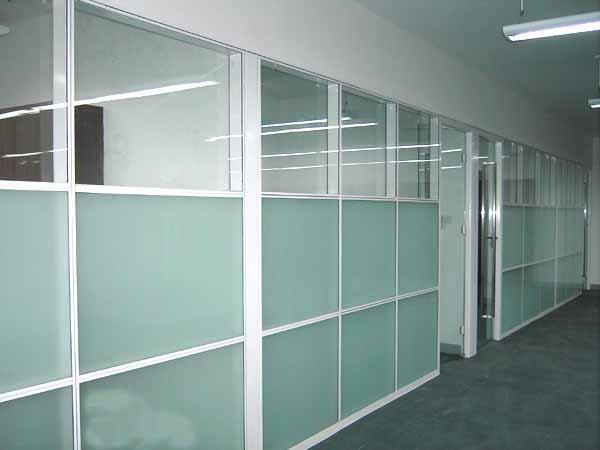 高端铝型材玻璃隔断17