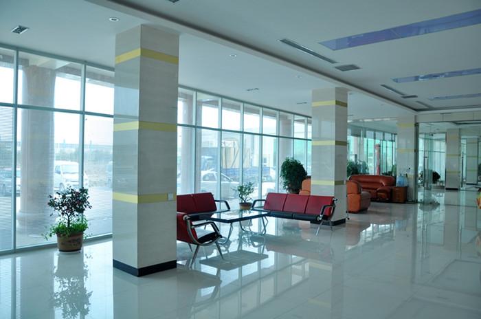 高端铝型材玻璃隔断15