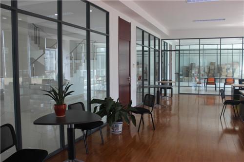 高端铝型材玻璃隔断9